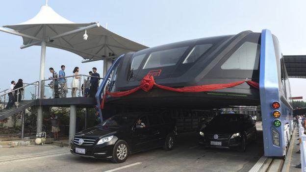 Çin'in dev otobüsü kullanımda