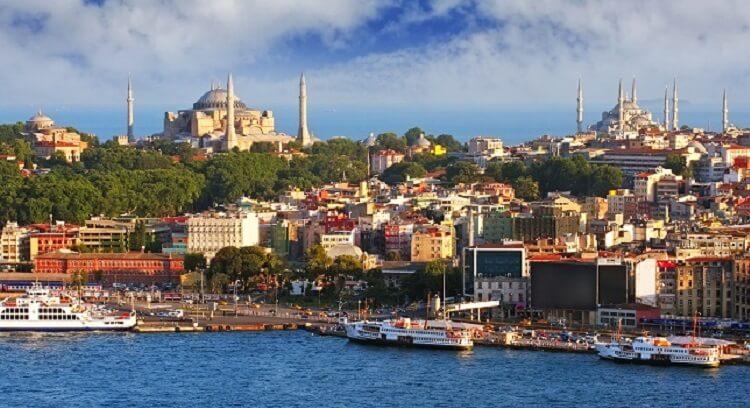 İki Kıtada Yer Alan Tek Şehir: İstanbuL